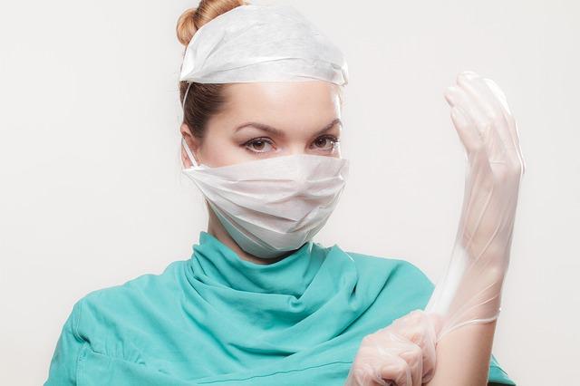 doktorka na operaci