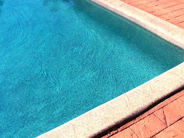roh zahradního bazénu.jpg