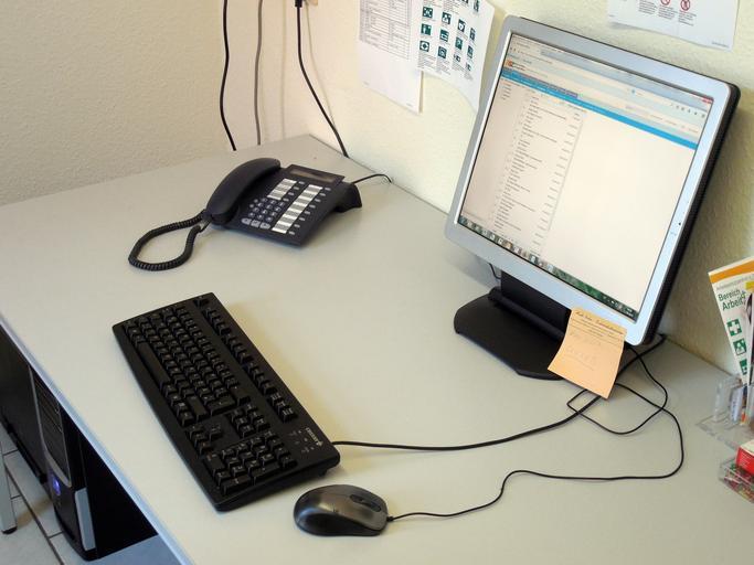 počítač a telefon.jpg